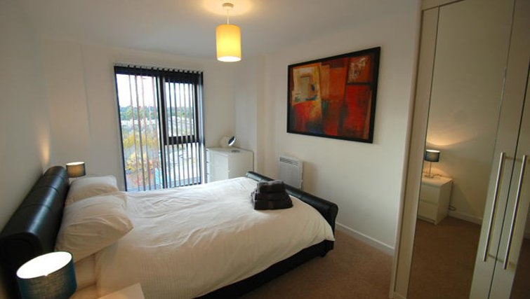 Cosy bedroom in Guildford Road Apartments