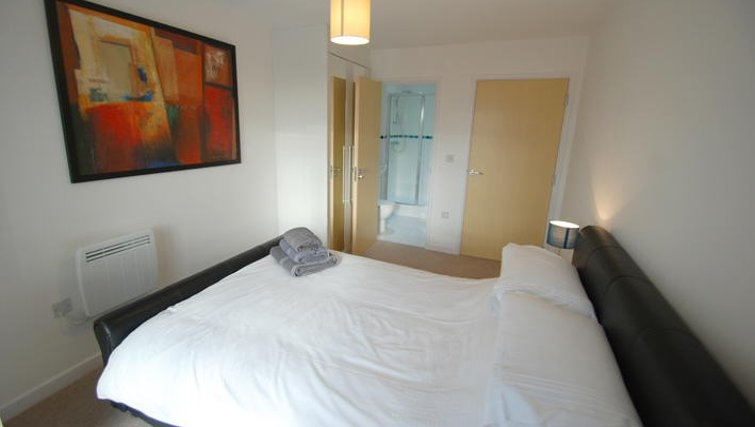 Simplistic bedroom in Guildford Road Apartments
