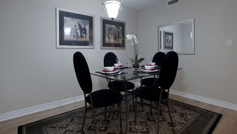 Classy dining area in Icon Apartments