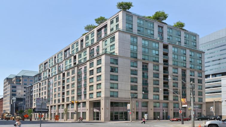 Exterior of Qwest Apartments
