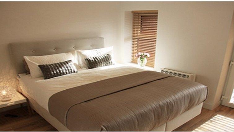 Gorgeous bedroom in Bridge Apartments