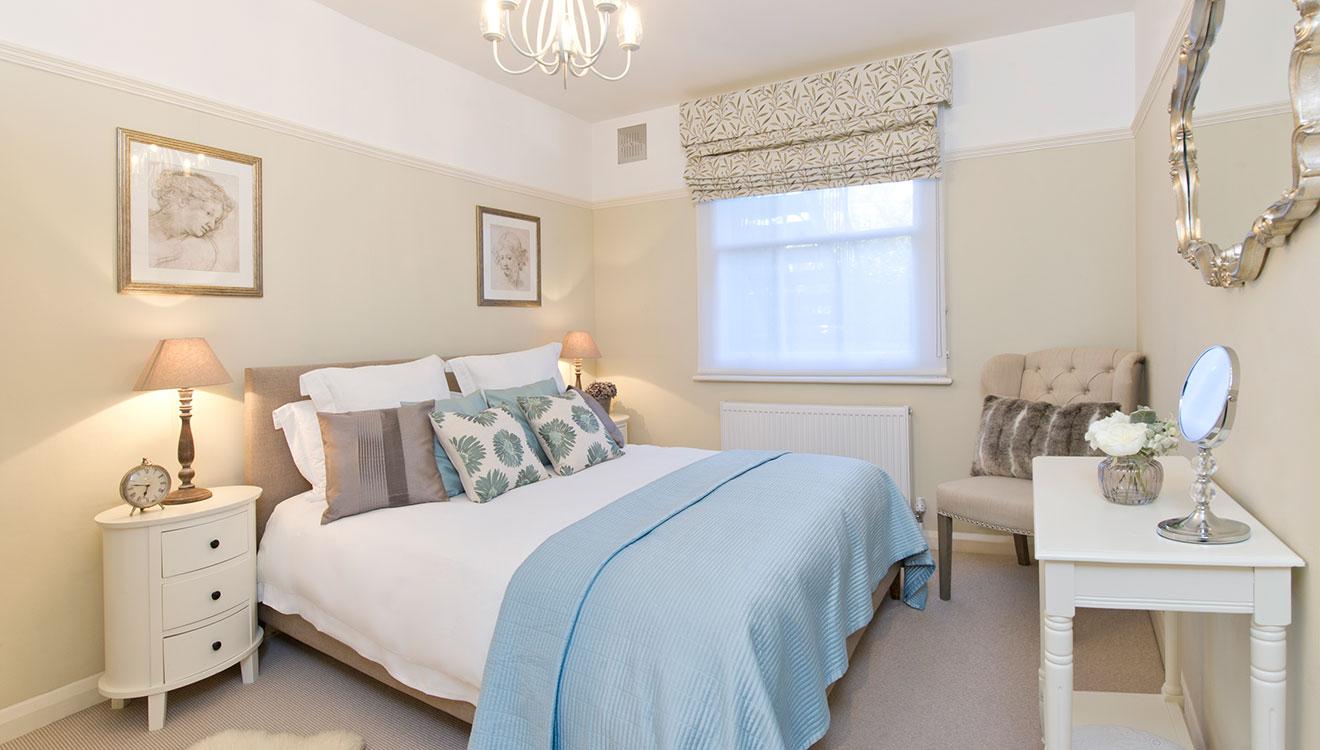 Bed at 20 The Barons Apartments