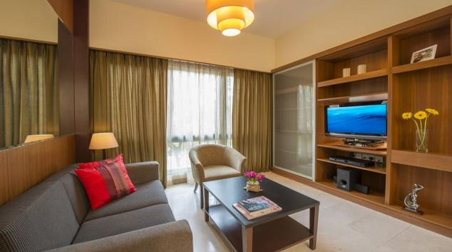 Splendid living area in Somerset Bencoolen Apartments, Singapore