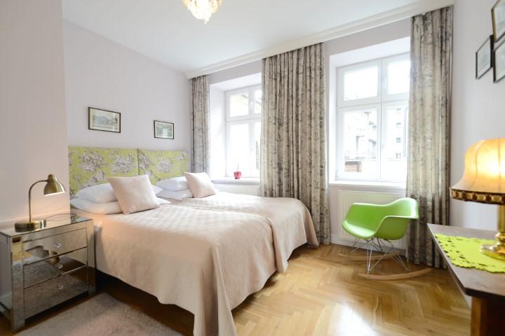 Twin beds at Rosa and Manka Apartments