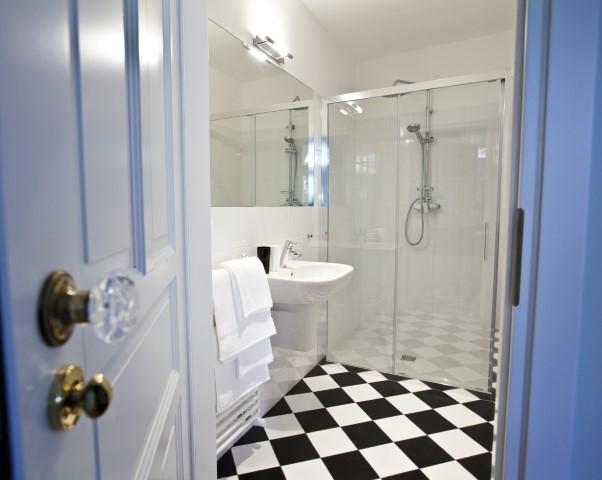 Shower at Rosa and Manka Apartments