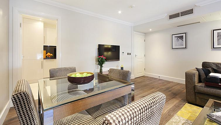 Desirable living area in Ashburn Court Apartments