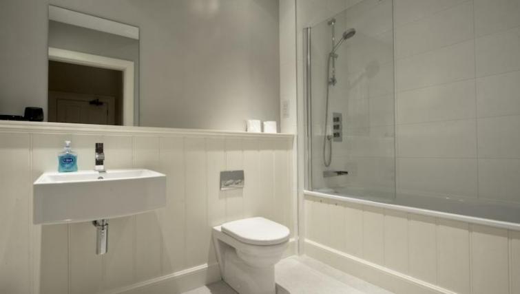 Pristine bathroom in Q Residence Apartments