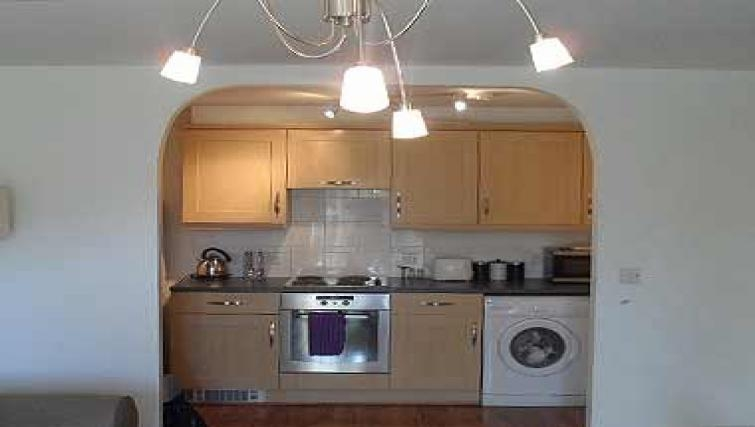 Practical kitchen in Coral Apartment