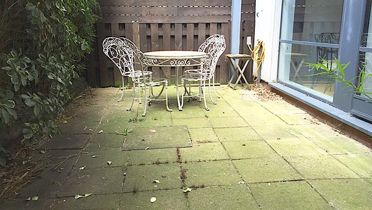 Delightful patio in Chiswick Green Apartment