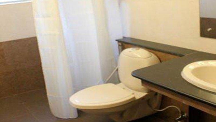 Ideal bathroom in Kotturpuram Apartments