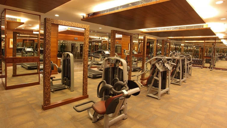 Equipped gym in The Lalit Mumbai Apartments