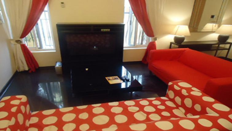 Vibrant living area in Aart Suites
