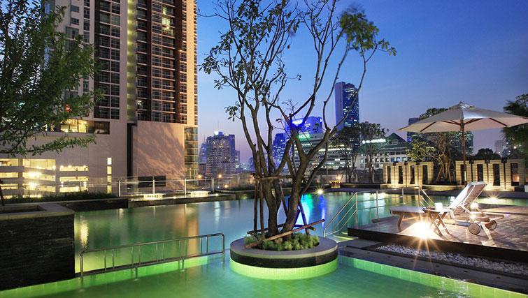 Swimming pool at Marriott Executive Apartments Sathorn Vista - Bangkok