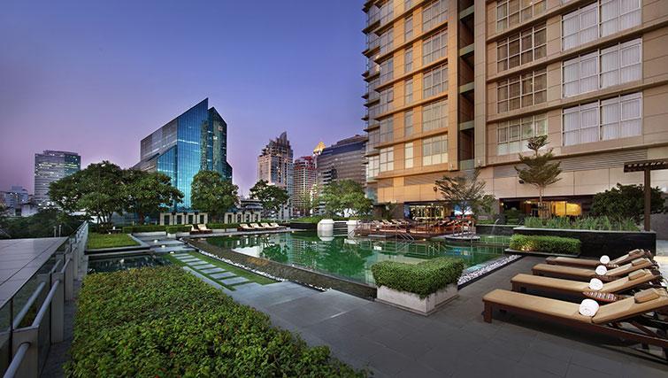 Gorgeous pool in Marriott Executive Apartments Sathorn Vista - Bangkok