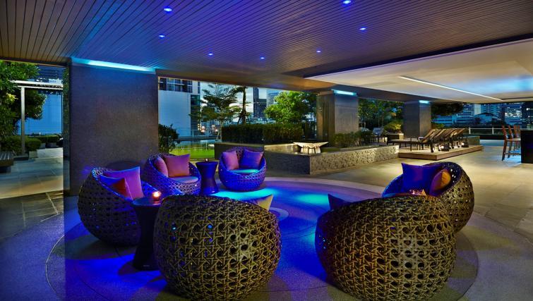 Pool bar at Marriott Executive Apartments Sathorn Vista - Bangkok