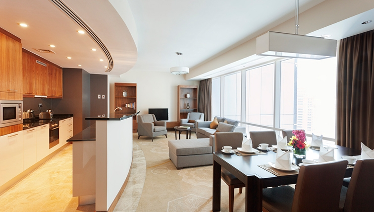 Open-plan living area at InterContinental Doha The City