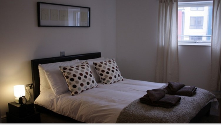 Attractive bedroom in Paper Mill Apartments