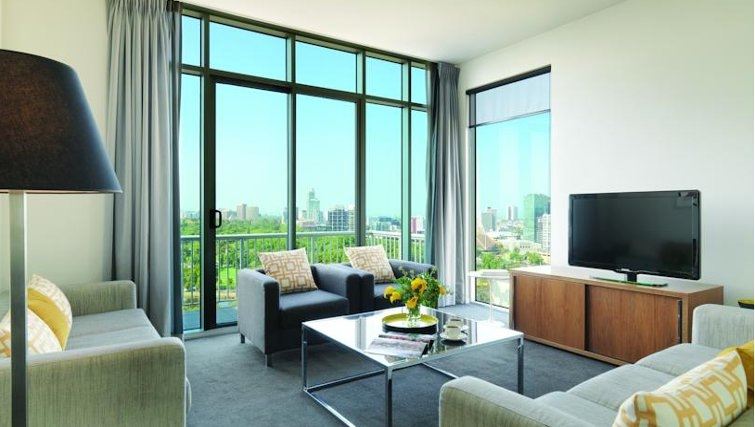 Executive living area at Adina Apartment Hotel Melbourne, Flinders Street