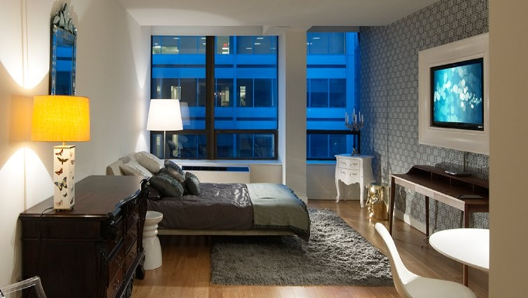 Gorgeous bedroom in 95 Wall Street Apartments