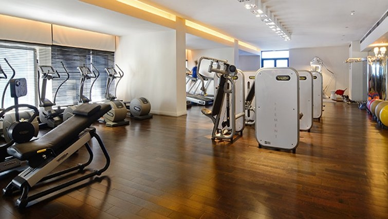 Equipped gym in 95 Wall Street Apartments