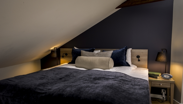 Serene bedroom in Oscargate Apartments