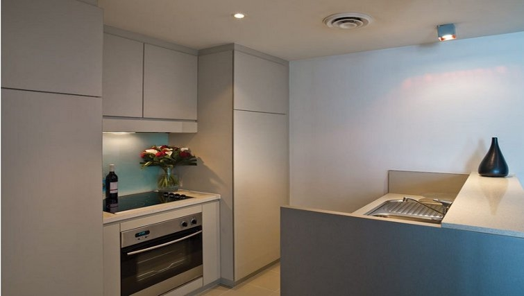 Desirable kitchen in Adina Apartment Hotel Sydney, Darling Harbour