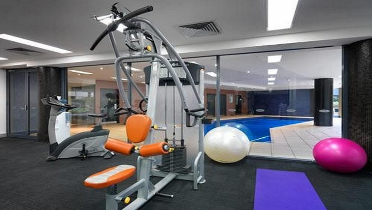 Gym at Adina Apartment Hotel Sydney, Darling Harbour