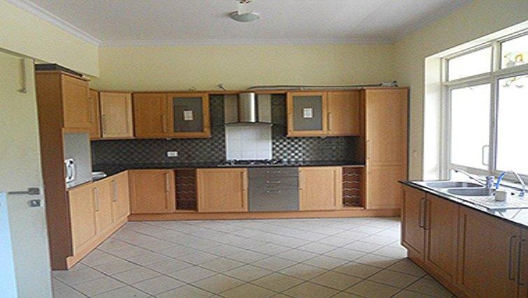 Spacious kitchen in Sahara Grace Apartments
