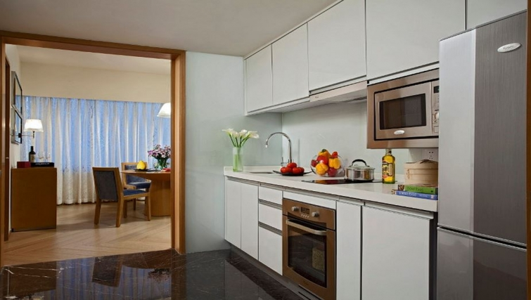 Modern kitchen in Somerset Riverview Apartments