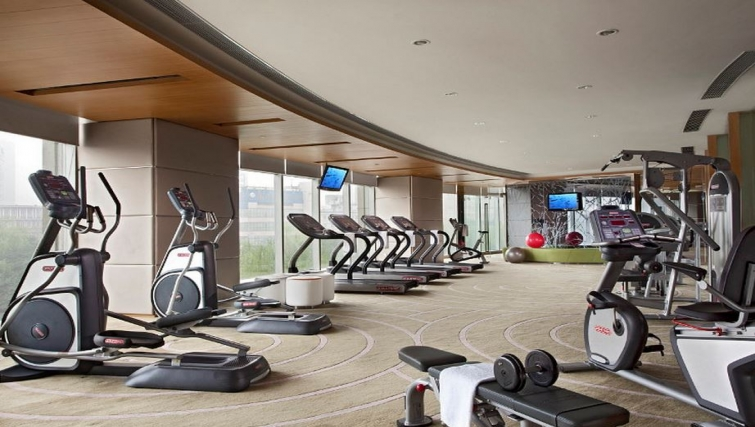 Equipped gym in Somerset Riverview & Apartments