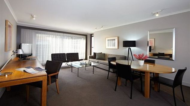 Appealing living area Adina Apartment Hotel Sydney, Town Hall