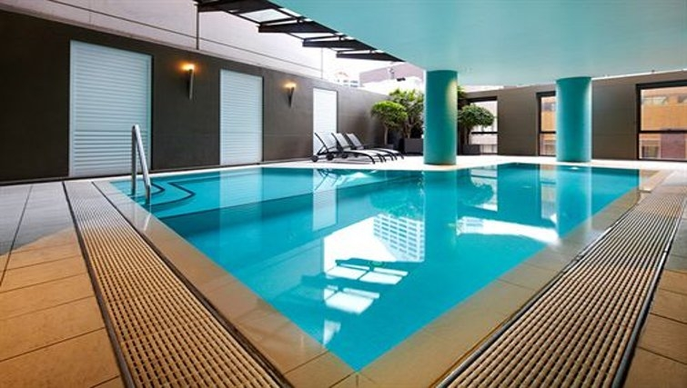 Enchanting pool in Adina Apartment Hotel Sydney, Town Hall