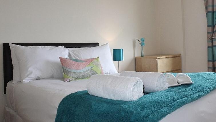 Bedroom at the Cotels The Pinnacle Apartments
