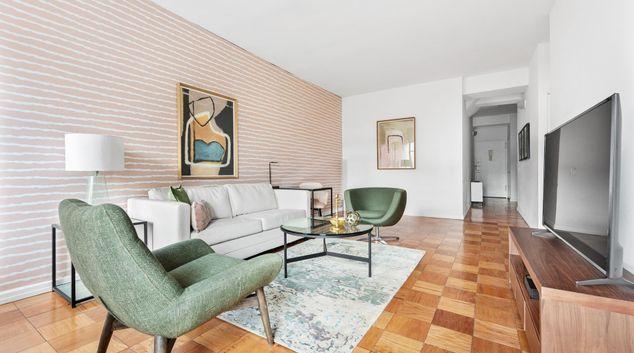 Living area at The Fairfax Apartments, Manhattan, New York