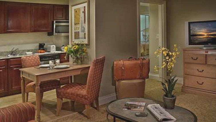Contemporary kitchen in Homewood Suites Palm Beach Gardens