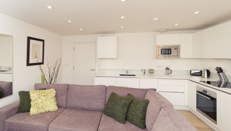 Well equipped kitchen area at Cambridge Place Apartments