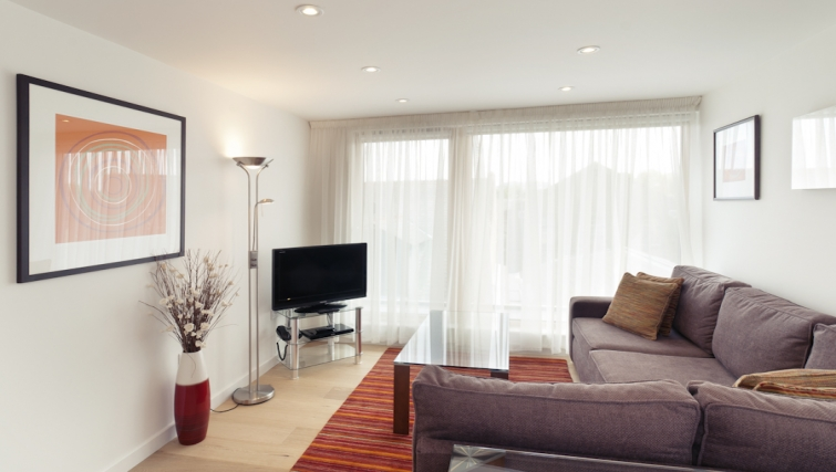 Peaceful living area at Cambridge Place Apartments