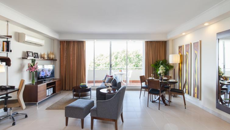 Living space at Somerset Chancellor Court Apartments