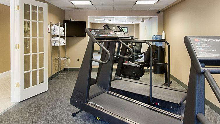 Equipped gym in Worcester Apartments