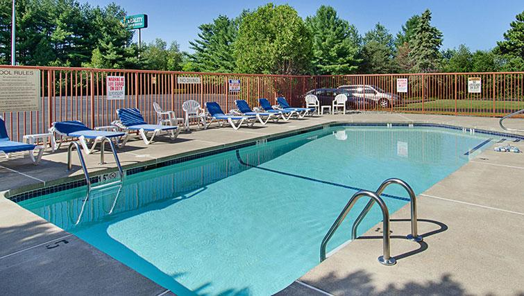 Outdoor pool at Worcester Apartments