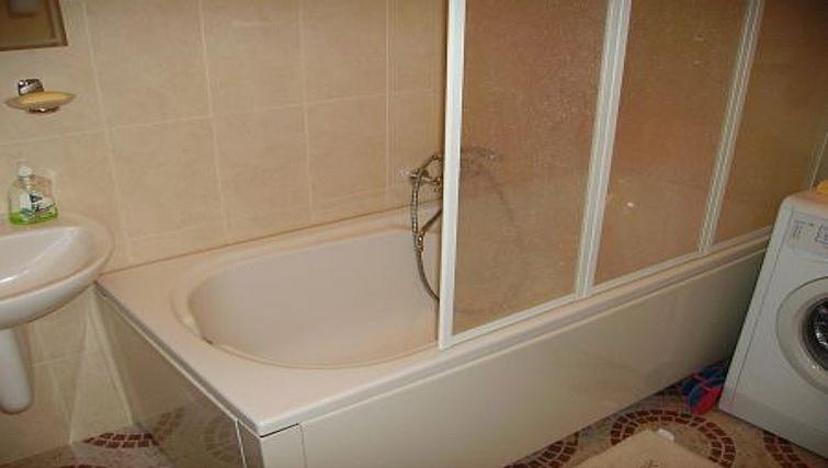 Ideal bathroom in Krassnoarmeyskaya Apartment