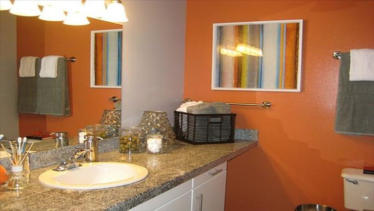 Ideal bathroom in Harbor Steps Apartments