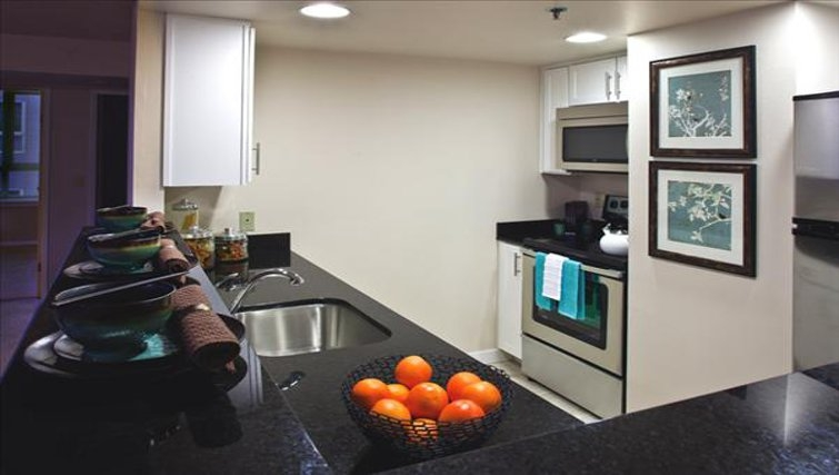 Attractive kitchen in Centennial Tower and Court
