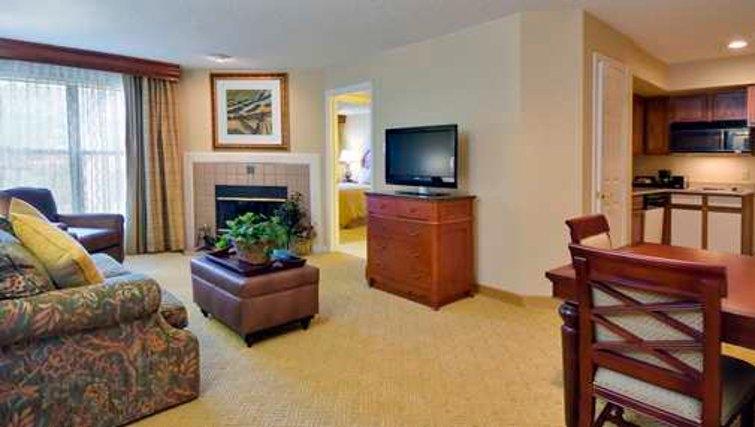 Multifunctional living area in Homewood Suites Boulder