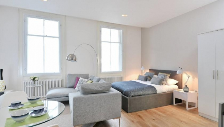 Luxurious bedroom in St Andrew Square Apartments