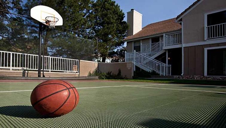 Practical sports court in Residence Inn Boulder