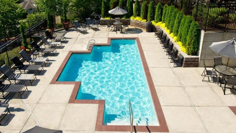Fantastic pool at The Knolls at Inglewood Hill