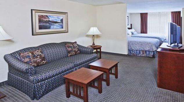 Comfortable living area in Staybridge Suites Dallas Addison