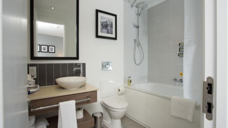 Pristine bathroom in Staybridge Suites Birmingham