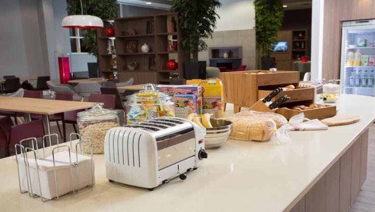 Breakfast counter at Staybridge Suites Birmingham